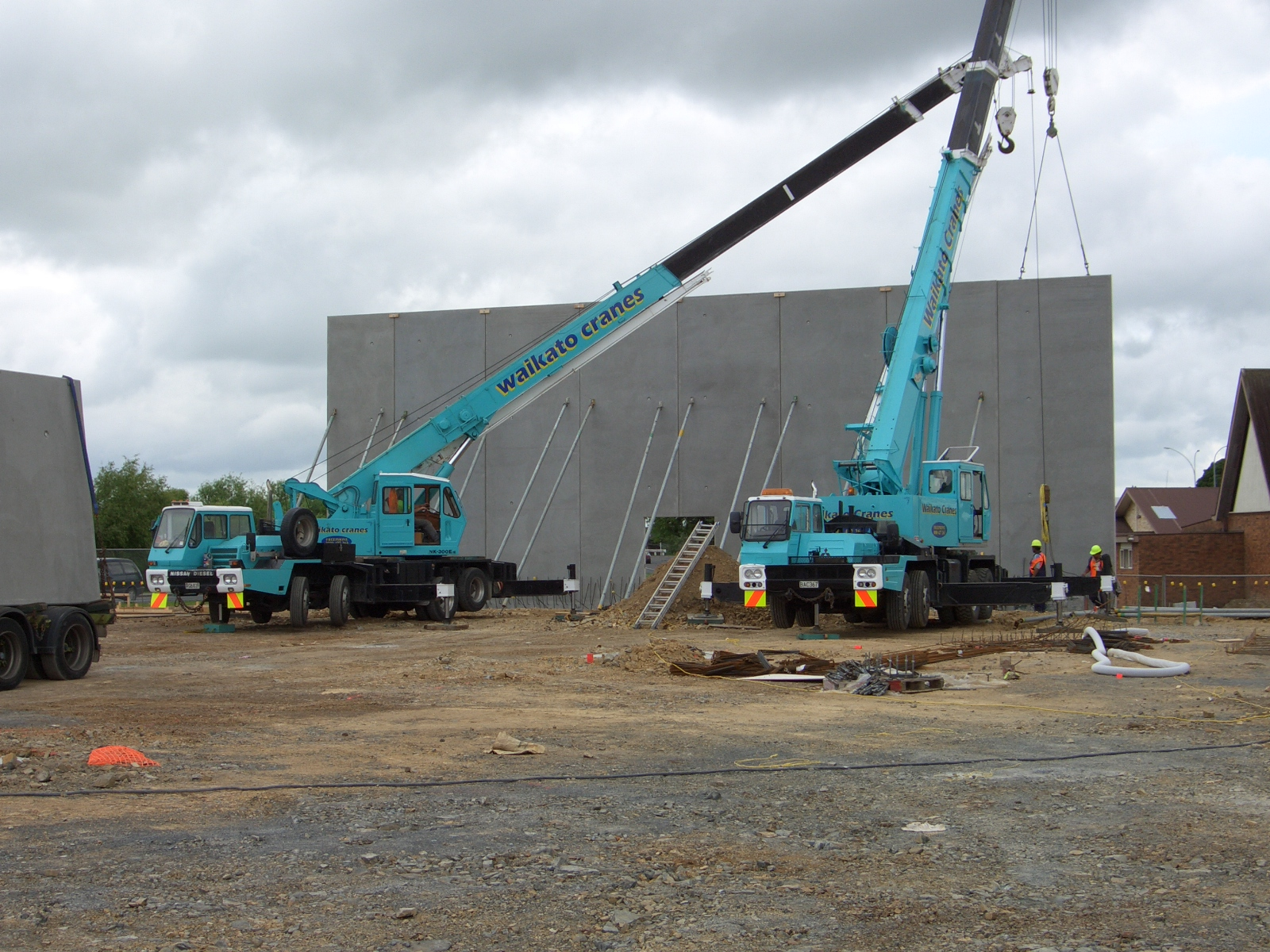 Precast concrete erection cranes